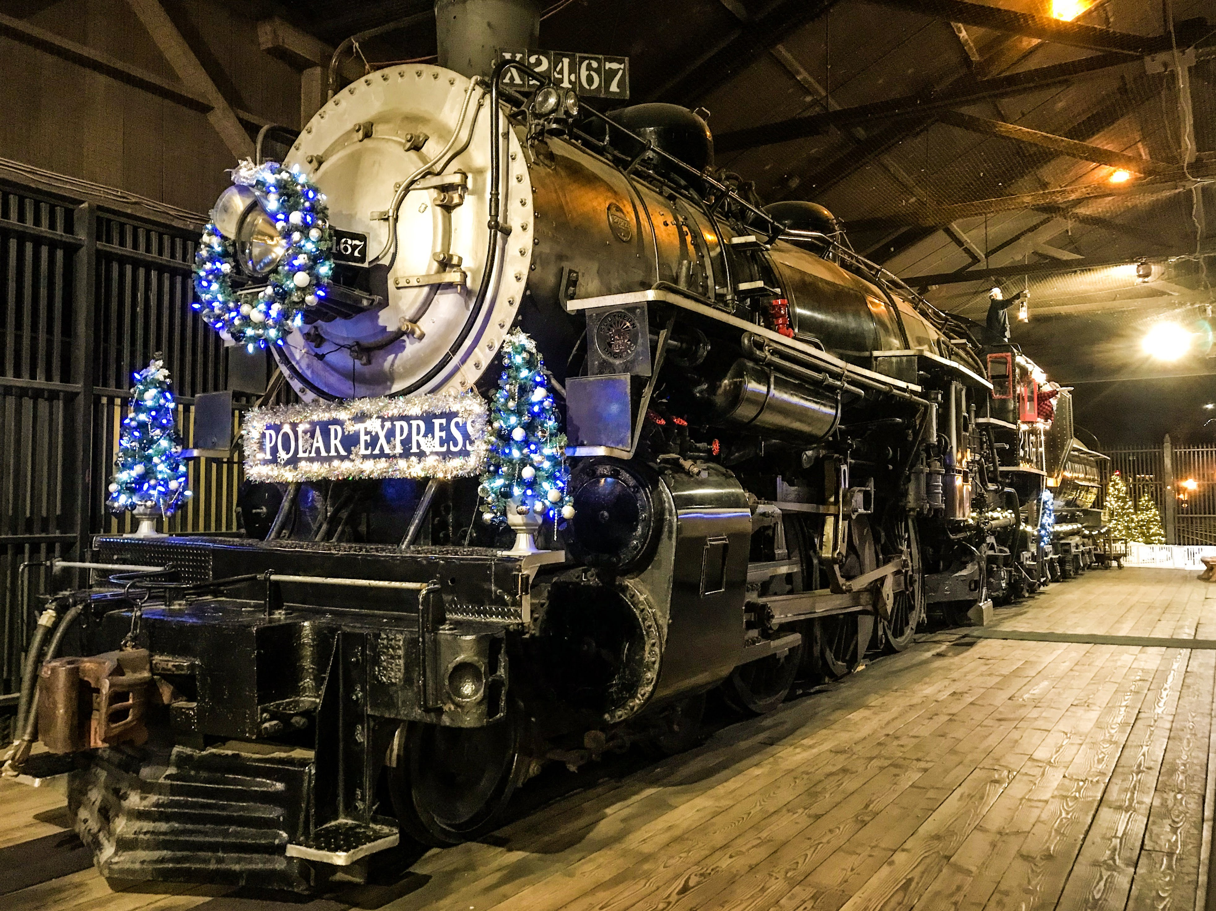 Polar Express Train Ride In Sacramento Review What To Expect Henry And Andrew S Guide